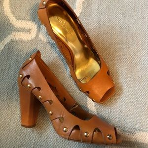 Vince Camuto heels. Size 7